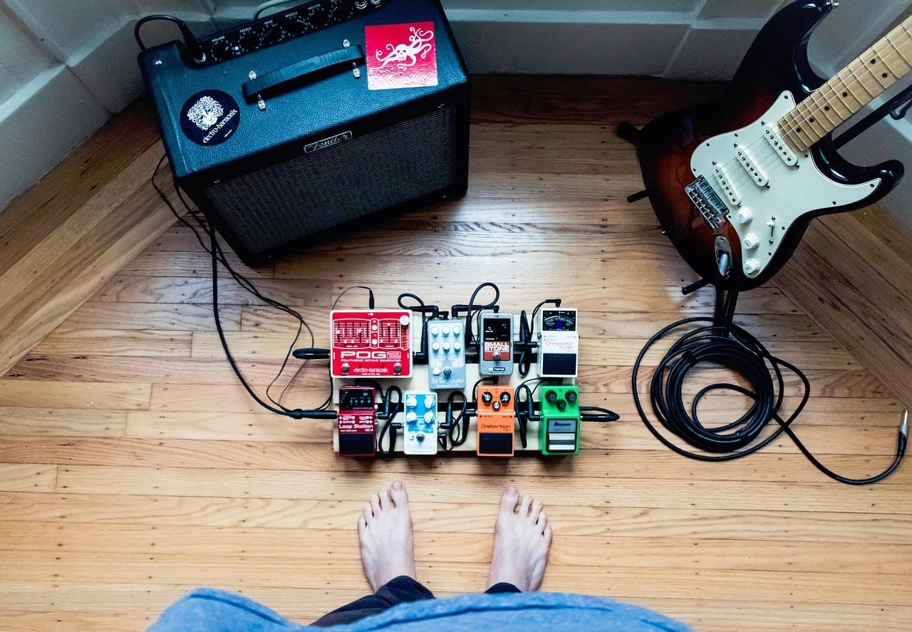 How to use delay pedal